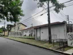 Casa Comercial - Parque das Laranjeiras / Flores