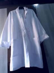 Jaleco bordado branco tamanho G