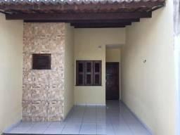 Casa 2 quartos, 2 banheiros, garagem, sala, coz americana, quintal e área de serviço