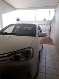 Toyota etios sedan xls - 2013