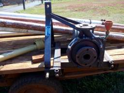 Bomba de irrigação tocado por trator