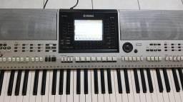 Teclado Yamaha PSR S900