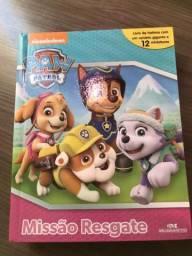 Livro Patrulha Canina com 12 miniaturas