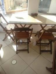 Vendo jogos de mesas com 4 cadeiras cada 250,00 cada jogo