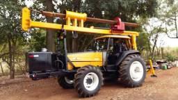 Trator 4x4 Valtra - Perfuratriz Hidráulica