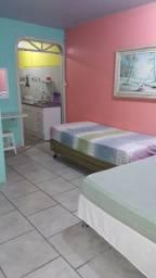 Quitinetes e Suites com sacada no Centro de Balneário Camboriú. 8 min a pé da Praia