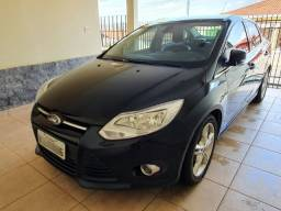 Ford Focus SE Plus Sedã 2014