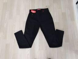 Promoção de Calças jeans feminina Biotipo