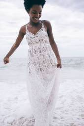 Vestido de renda bordado
