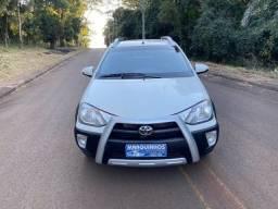 Toyota Etios Cross 2016 Flex 1.5 Completo veículo impecável