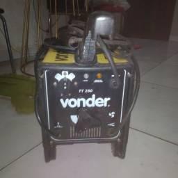 Máquina de solda Bivolt nova Vonder 250a(usada poucas vezes)