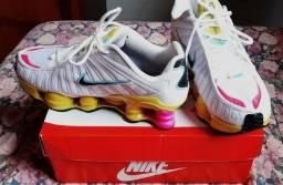 Nike 12 molas 39