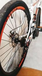 Bicicleta semi nova!!