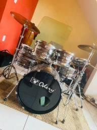Vendo bateria top semi nova Odery in rock e pedal duplo junto 4000