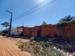 Lote com 300 m², 100% Legalizado, a 200 metros da Avenida, Próx. ao Cond. Alphaville