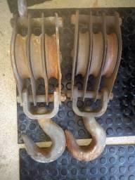 Moitão em ferro com gancho