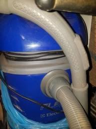 Aspirador e soprador de po Electrolux praticamente novo, nunca usado