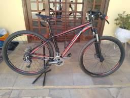 Bicicleta Caloi Explorer Expert, novíssima, aro 29, quadro 17