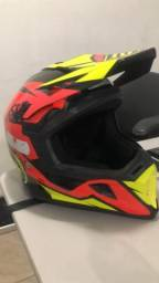 Vendo um capacete ASW TAMANHO 60 G 380 reais