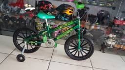 Bicicleta aro 16 do Hulk seminova