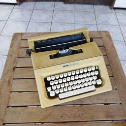 Olivetti Lettera 25 disponivel na cor marfim Maquina de escrever antiga - antiguidade