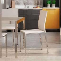 4 cadeiras novas de couríssimo branco e estrutura prata