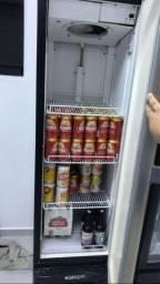Freezer cervejeira.