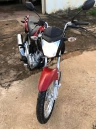 Vendo moto conservada Fan 150 ano 2015