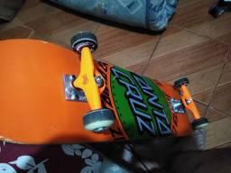 Skate semi-novo profissional para vender rapido