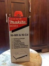 Carregador de bateria Makita DC1414