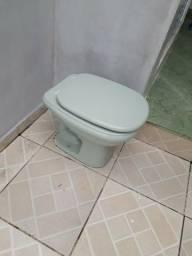 Vaso sanitário completo! Verde de cerâmica! Tampa almofadada! Muito macia!