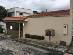Ende ou Aluga Casa Semi Mobiliada Com 318m2 em Condominio Fechado no Bairro Adrianopolis