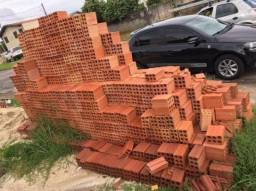 700 tijolos