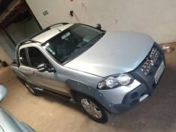 Fiat Strada Adventure cd cabine dupla completa 1.8 etorque 2011/12 - 2012