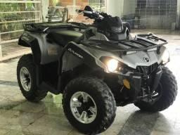 Vendo Quadriciclo CAN-AM 2015 Automático 500 cc, freio ABS - 2015