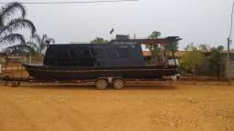 Barco cabinado de alumínio