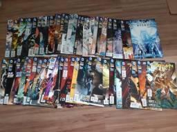 Coleção Batman Eterno - Os novos 52 + Brindes