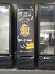 Cervejeira 230 lt Porta Cega Adesivada Happy Hour Imbera.