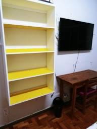 Ecritorio retro amarelo