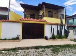 Linda casa duple, condomínio Fechado próximo ao Centro de Manilha.