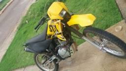 Vendo stx 200 moto com apenas 18 mil km rodados entrego em dias