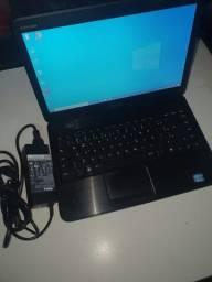 Notebook Dell i3 / 4 gb / 750 gb HD / 1:00 hr Bateria / Carregador Dell