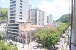 Apartamento Centro - 2 quartos e dependência - Rua do Imperador