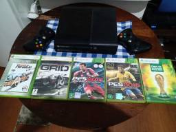 X box 360  + 2 controles  + 5  jogos  500 reais