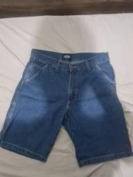 Título do anúncio: Bermuda Jeans Jardineira Tupode 42