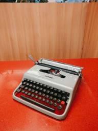 Em pleno funcionamento Maquina de datilografia antiga - antiguidade