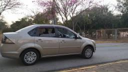 Título do anúncio: Oportunidade, R$ 2500 abaixo da tabela para vender rápido,  Fiesta sedan 1.6 Flex completo