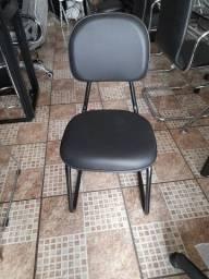 Cadeira fixa trapezoidal