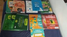 Todos os Livros do 4 ano Colégio Medianeira