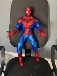 Homeme aranha gigante com 50cm